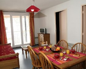 location appartement vacances ax les thermes 4 personnes. Black Bedroom Furniture Sets. Home Design Ideas